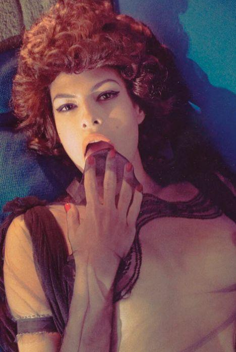 Eva Mendes Vogue'a soyundu - 44